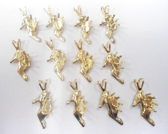 12 Goldplated High Heels Pendants with 6mm Navette Setting