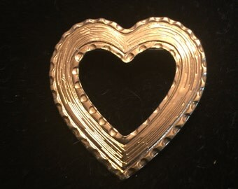 Simple Gold Heart Pin
