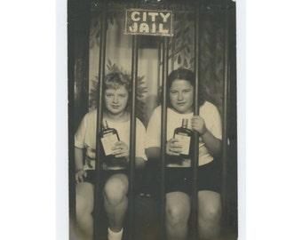 Vintage Arcade Carnival Photo Booth: Sharon & Linda in City Jail (610511)