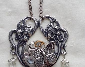 Necklace pendant 2 flowers steampunk