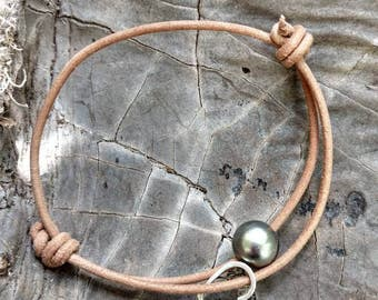 Freshwater Pearl and Heart Leather Bracelet