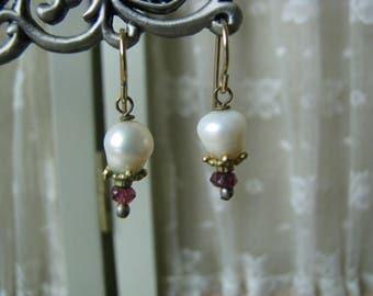 Beautiful Vintage Victorian Style Gold Filled Pearl Garnet Beaded Drop Earrings