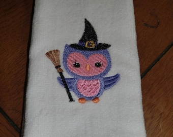 Embroidered Finger Tip Towel  - Halloween - Witch Owl