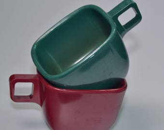 eb2226 Coffee Cups Melamine ARROWHEAD Ever Ware Quantity of 2 Tea Cups 1950s
