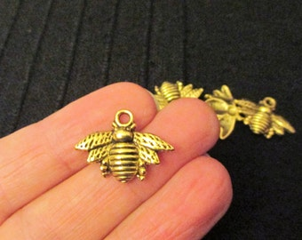 Pack of 10 Gold Tone Honeycomb Bee Metal Pendant Charm 21mm x 16mm
