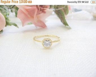 New Year Sale - Gold crystal ring -  gold ring - Clear crystal ring - Vintage ring - Thin gold ring - Dainty delicate ring, (5.5)
