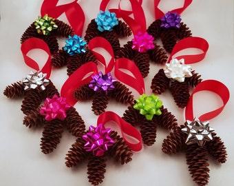 12 Pinecone Ornaments Handmade FI0269