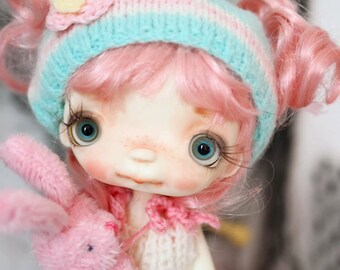 Bebe'Full set doll ,in her vintage handcrafted box, collectible BJD' resin OOAK, ball joint doll by Chrishanthi ''Ppinkydolls''
