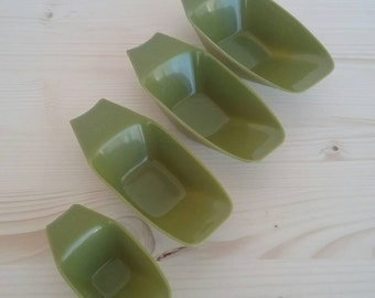 Vintage Avocado Green Measuring Scoops