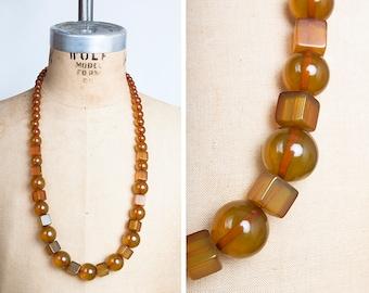 FUNKY 1930s Art Deco GEOMETRIC Apple Juice BAKELITE Long Necklace // Modernist // Statement