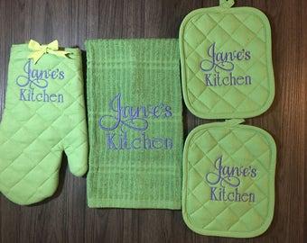 Large Monograms/Personalized Baking Set/Bridal Shower/ Wedding Gift/Custom Oven Mit & Pot Holder Set/ Cookie baking Set.  Bride to Be Gift.