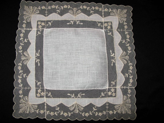Lace Hankie Antique Lace Handkerchief Heirloom Hanky Vintage Ivory Hanky Hankerchief