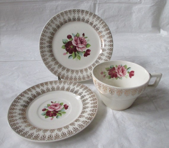 American Limoges ARISTOCRAT Cup, Saucer, Small Plate, Triumph, Pink & Red Roses (late 1940s-early 1950s)