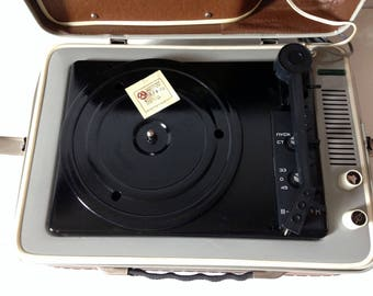 "Turntable ""Youth"" ,vinyl record player ,technics turntable, Record player, vinyl record, Working Turntable"
