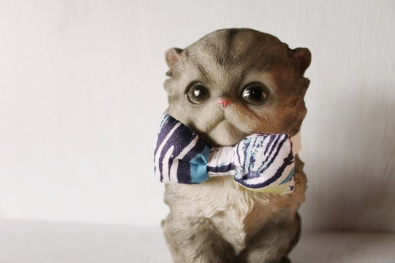 Bow tie cat collar >> Small dog bow tie >> Blue, white, green bow tie, white leather strap and silver buckle >> Pet gift