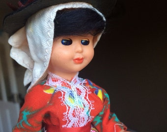 Vintage Traditional Dress Algarve / Portugal Doll with Blinking Eyes