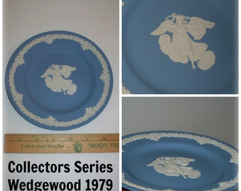 """Vintage Wedgewood Blue & White Jasperware Annual Collectors Society Angelic Zephyr w/ Floral Trim Limited Edition Plate England 6.5"""""""