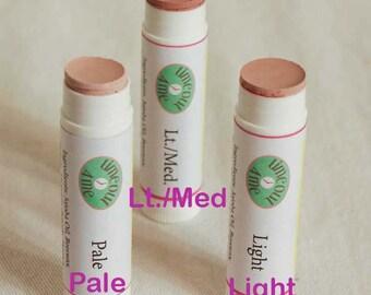 Natural Under Eye Brightener Made with Jojoba Oil to Glide On