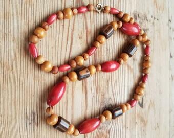 Lovely vintage light wood  necklace