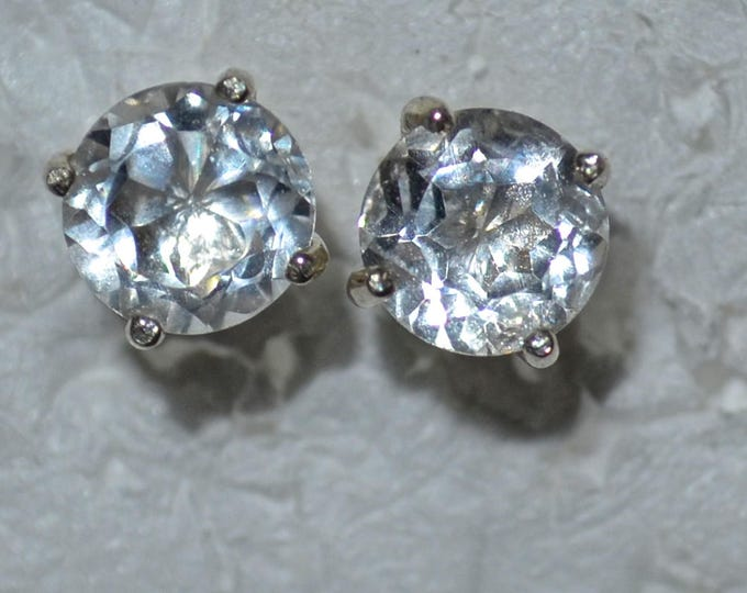 Crystal Quartz Studs, 7mm Round, Natural, Set in Sterling Silver E1055