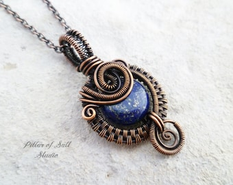 Small Wire wrapped pendant / Woven Wire Wrapped jewelry handmade / Lapis Lazuli blue gemstone / Copper jewelry / earthy rustic wire jewelry
