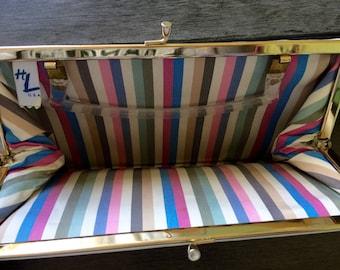 Vintage HL USA Harry Levine white convertible handbag with lucite handle