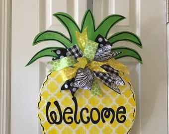 Welcome tropical pineapple