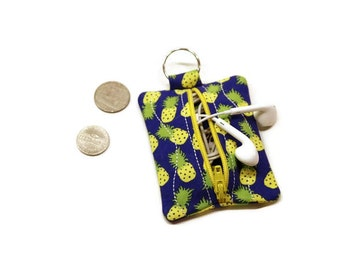 Pineapple pouch keychain, earbuds case, earbuds pouch, pineapple coin purse, pineapple theme gift, stocking stuffer, under 10 gift .