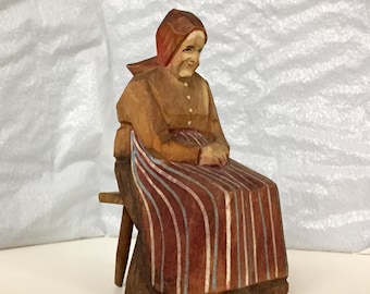 Vintage Huggler Wyss Collectible Old Woman Hand Carved Hand Painted  Swiss Wood Figurine, Folk Art of Brienz Switzerland