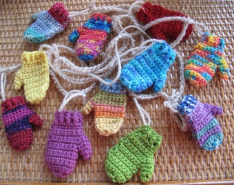 Custom funky mitten garland for you (choice of length) / Funky Christmas garland / Mitten bunting / Mitten Mantle garland