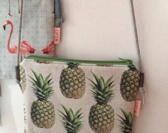 Small shoulder bag with Ananas motif