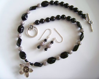 Hill Tribe Silver Flower with Black Onyx Necklace Set - Item S0421