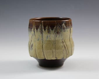 Medium Handmade yunomi, ceramic cup, pottery cup, tea cup, handmade cup, tumbler made in Quebec, Canada