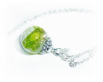 Necklace glass ball filled with resin and real leaf