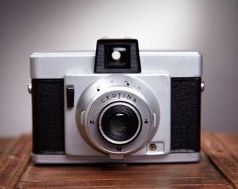 Vintage Camera Certo Certina. Rollfilm camera. Lomo camera. Lomography. Working Film Camera.