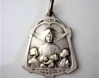 "RARE antique religious medal ""Catholic camp of preservation assistance to  children  Parisian suburb, Pantin Aubervilliers "" the 40s, 0.80"""