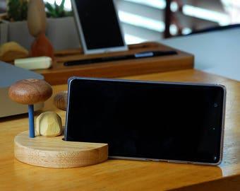 iPhone dock.Wood dock stand for iPhone and Smartphone. pen. pencil stationary. Office desk decoration. Recycled wood