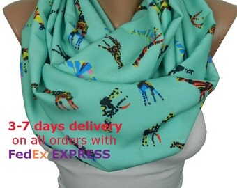 Giraffe Scarf Infinity Scarf Animal Loop Scarf Mint Scarf Circle Scarf Fall Autumn Winter Women Fashion Accessories Christmas Gift For Her