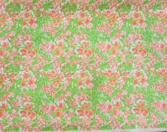 "3 1/4 Yards Vintage Floral Polyester Fabric 59"" Wide"