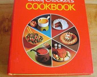Vintage Betty Crocker's Cookbook 5 Ring Binder Hardcover Pie Cover 1973 Super Condition Cook Book First Edition