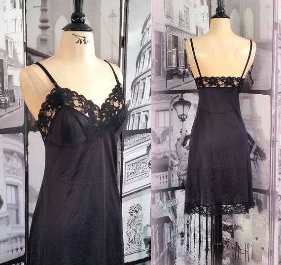 60s Gorgeous Lace Black Slip - Vintage Feminine Allure - LORRAINE - Size Medium