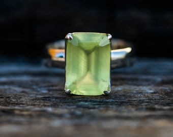 Prehnite Ring size 7.75 - Prehnite Ring - Prehnite Ring size 7.75  - Stunning Prehnite Ring - Natural Prehnite Ring - Prehnite