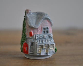 Vintage thimble - 3D hand painted - House - Building - Plaster - China - Post Office