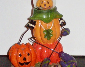 HALLOWEEN SNOW GLOBE Pumpkin Man Figurine! ~ 6.99