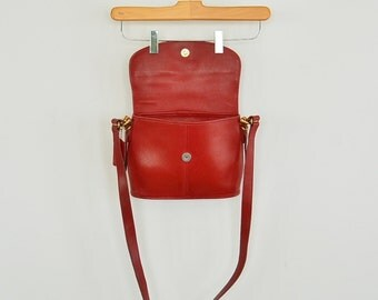 Red Coach Handbag Crossbody Vintage 90's era Top Flap Magnetic Closure Creed B8D-9807 Has Hang Tag