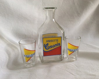 Glass décanter of the brand Casanis with two advertising glasses