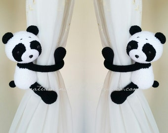 A pair of Panda curtain tie back.  Crochet tie back.   MADE TO ORDER***