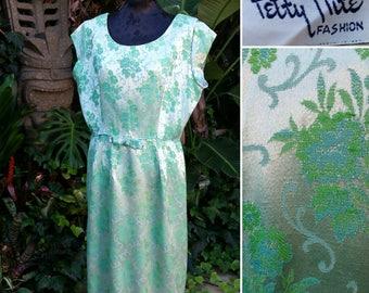 "Vintage 50's 1950's green wiggle dress // jacquard fabric  // Mad Men //  VLV // Rockabilly // pinup // VOLUP 34"" Waist"