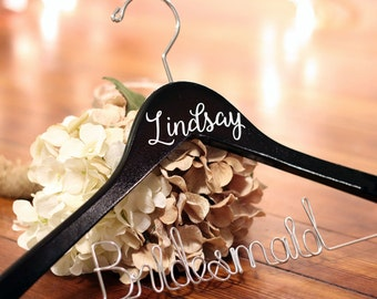 Personalized Wire and Vinyl Bridal Hanger, Bridesmaid Hangers, Bride Hanger, Mrs Hanger, Wedding Hangers, Custom Vinyl Title Hangers