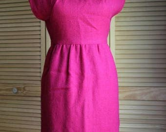 Vintage. Red. dress. Thick. wool type fabric. Zipper on back. Lovely dress! Great shape! 1950s/1960s.